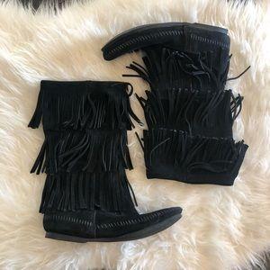 Minnetonka Moccasin. 3 layer fringe mocc boots